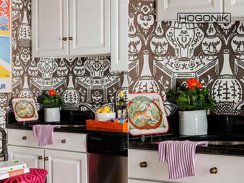 آشپزخانه با کاغذ دیواری طرح دار